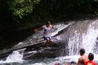 途中の甌穴川で水遊び