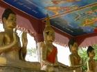 タ・プローム寺院の黄金の仏像