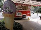 行列ができるキュランダで人気ナンバーワンのアイスクリーム