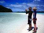 真っ白な砂浜が続くロングビーチ