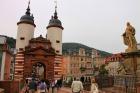 アルテ・ブリュッケの門塔からアルトシュタット(旧市街)へ