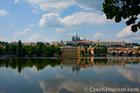 ヴルタヴァ川クルーズから見えるプラハの景色