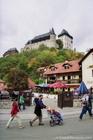 カルルシュテインの街からお城を眺める