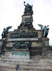 19世紀にドイツ帝国発足を記念して建設されたニーダーヴァルト記念碑