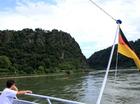 伝説の残るローレライの岩山。ライン川航行の難所です。