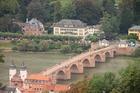 ドイツで最も古い橋の一つアルテ・ブリュッケ(カール=テオドール橋)