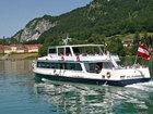 ヴォルフガング湖で遊覧船を楽しむ