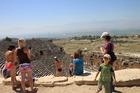 パムッカレの石灰華段丘の一番上にある遺跡 ヒエラポリス