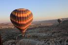 熱気球で見る世界遺産カッパドキア