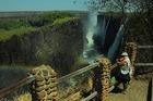 ヴィクトリア瀑布は世界三大瀑布の中で最大落差を誇る