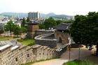 壮大な城壁に囲まれた朝鮮王朝後期の都城
