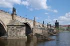 絶好の記念撮影ポイント・カレル橋