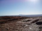 ウルル頂上からは遠くにカタジュタが見える
