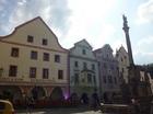 チェスキークルムロフ旧市街可愛い建物が並ぶ広場