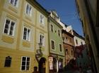 かわいいカフェやお土産屋さんが連なるチェコの路地