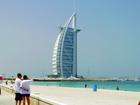 ジュメイラオープンビーチからバージュアルアラブを望む
