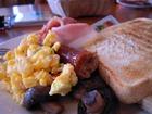 朝食の一例。ダイビングは体力勝負です!