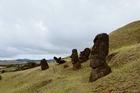 ラノラナクに埋もれたモアイ像はイースター島の隠れスポット。