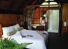 アフリカのサファリ中とは思えない贅沢なホテル