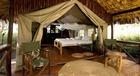 タンザニア滞在中は大自然の中でのテント泊