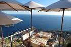 アドリア海を見ながら食事を頼めるレストラン