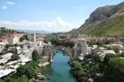 ネレトヴァ川に架かる石造アーチ橋スタリ・モスト