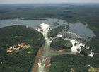 イグアス国立公園内に275個の滝がある