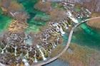 プリトヴィッツェ湖群国立公園にある大小16の湖と92の滝