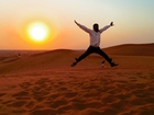 砂漠に沈む夕日は一見の価値あり!