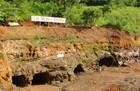 岩面に並ぶ洞窟の数々は見ているだけでわくわくします。