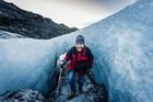 ソゥルヘイマヨークトル氷河ハイキングツアー