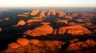 ドーム状の奇岩が連なるオルガ