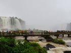 イグアスの滝国立公園は遊歩道があるので年齢問わず歩きやすい。