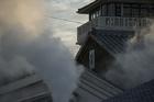 蒸気が立ち込める望楼