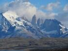 3つの岩が並ぶチリの「トーレスデルパイネ」はパタゴニア代表の景勝地