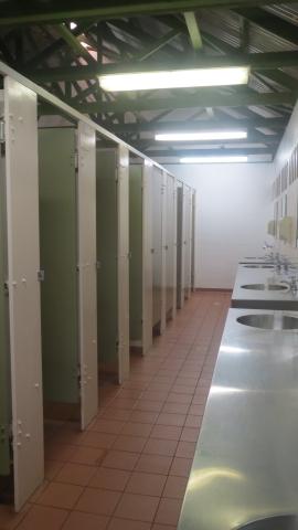共同トイレ&シャワー