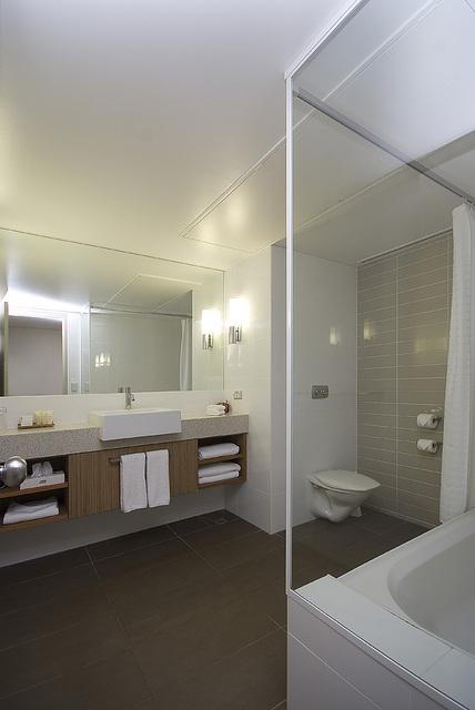 デラックスルームのバスルーム