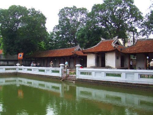 ベトナムで最初にできた大学文廟です!