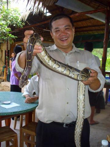 大きな蛇と写真も撮れます!