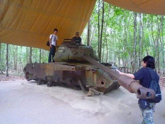 戦車が残されています。