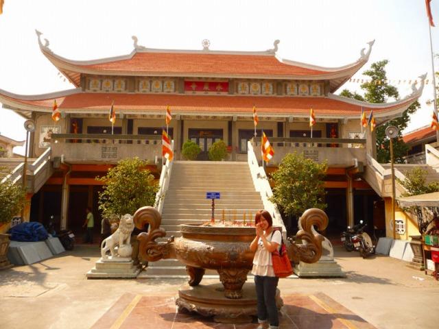南ベトナム一の大きさの永厳寺です。