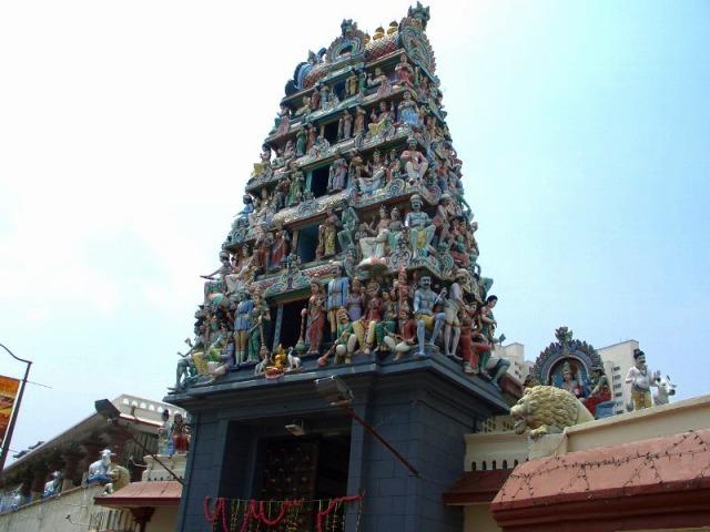 ヒンドゥー教寺院「スリマリアマン寺院」