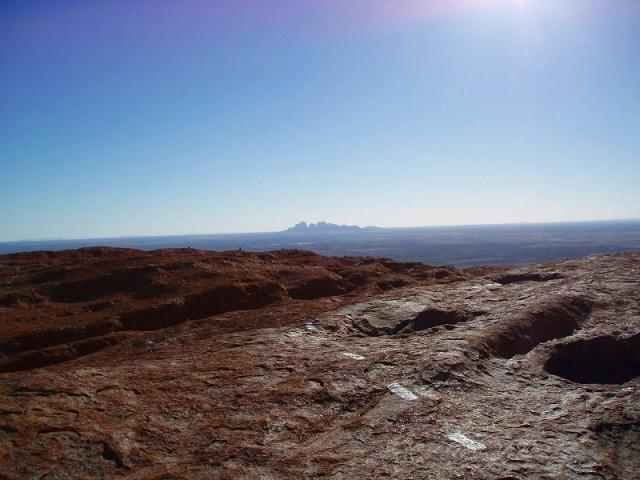 頂上からの眺め、遠くにオルガが見える