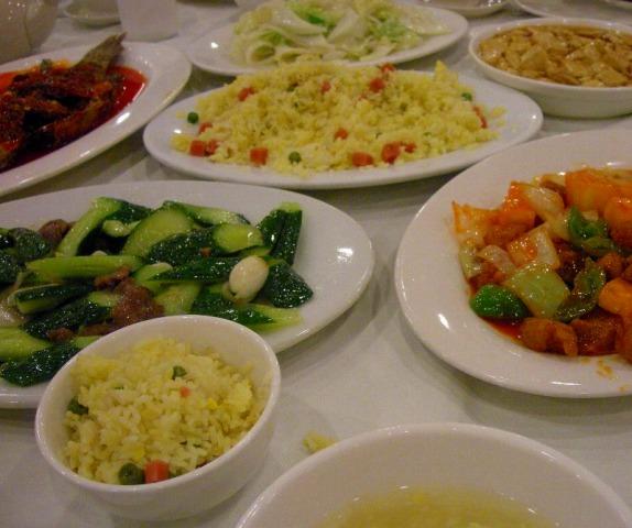 夕食は本場の中華ディナー