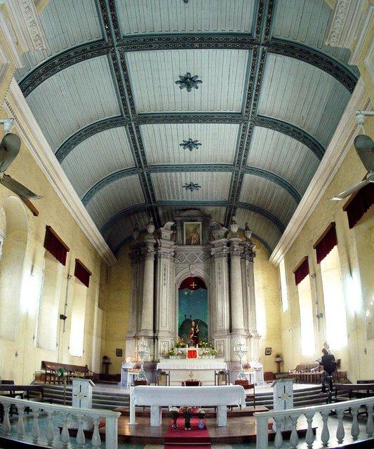 教会内部は神聖な空間