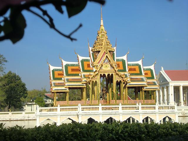 洪水後の様子(2011年12月14日撮影)バンパイン宮殿