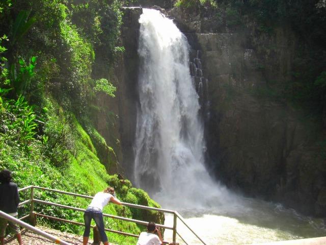 世界自然遺産「カオヤイ国立公園」の滝