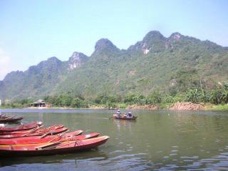 香寺へはボートで