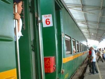 ローカル列車で出発!