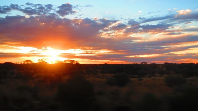 早朝出発の特権!?絶景の朝日を見ることができますよ
